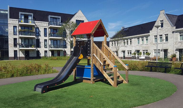 Houten speeltoestel – Ridderhuis