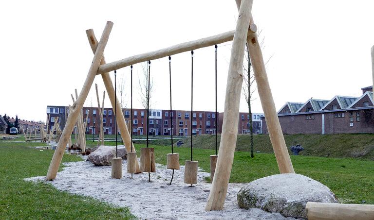 Robinia speeltoestel 'Klossenbrug'