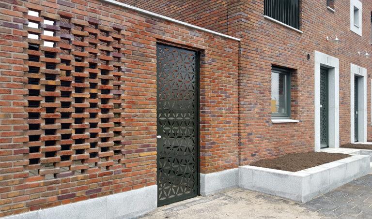 Poorten en voordeuren met sierroosters